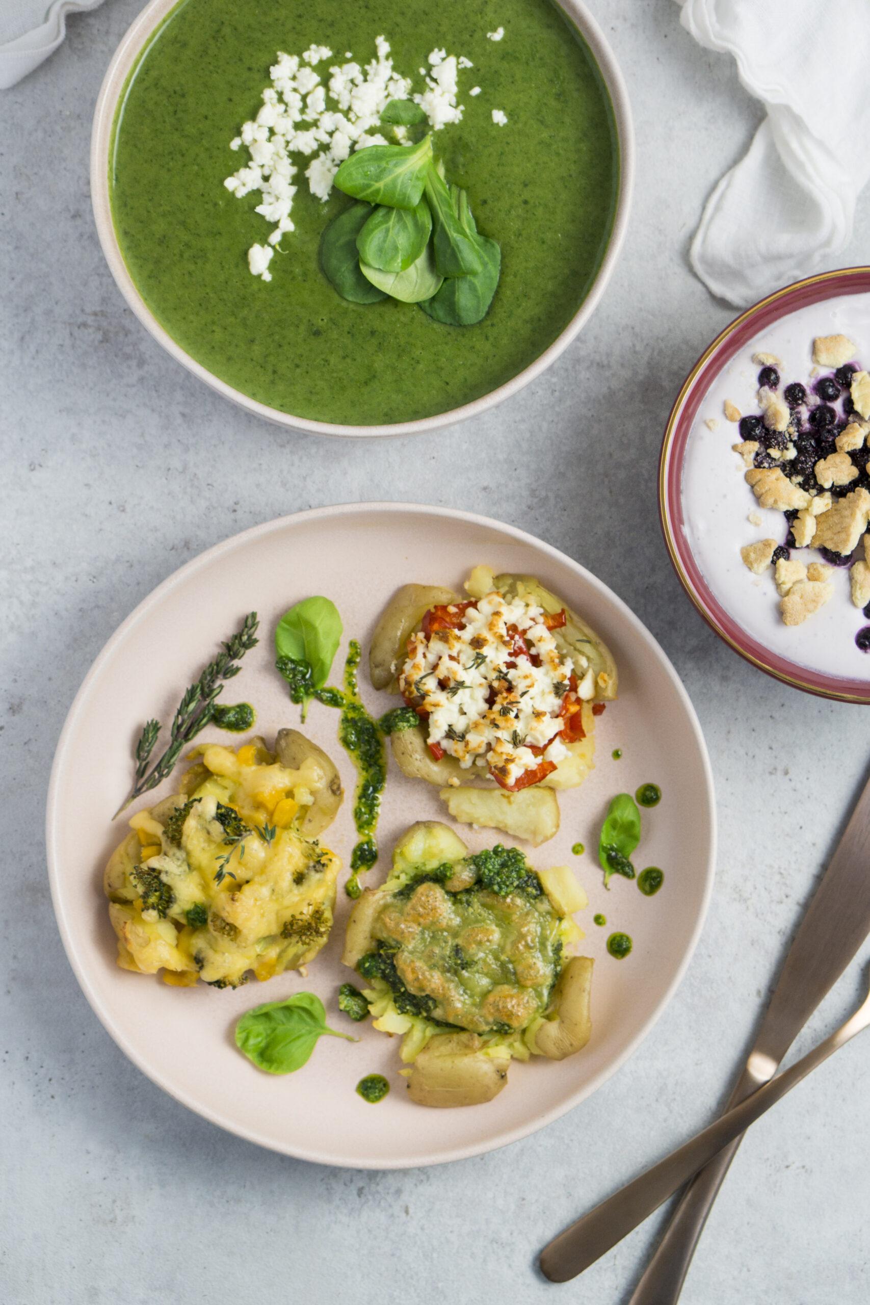 Schnelles Muttertagsmenü: Feldsalatsuppe, Vegetarische Quetschkartoffeln, Blaubeercreme