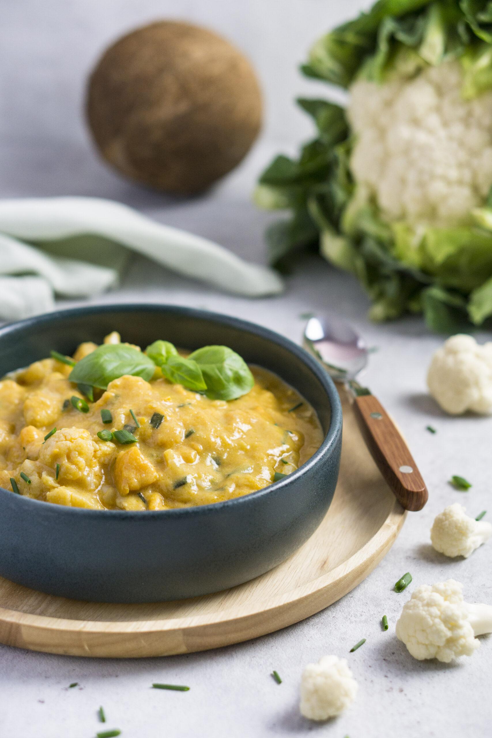 One Pot Blumenkohl Curry mit Hähnchen und Süßkartoffel Eat Tolerant